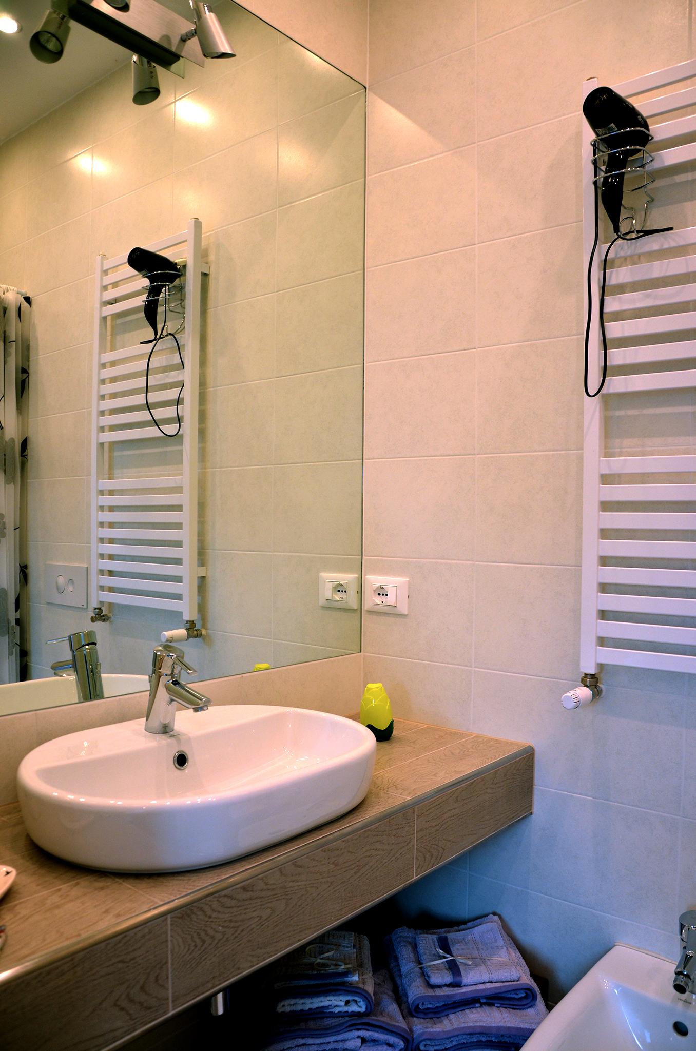 Bagno privato - Camera matrimoniale/ doppia letti singoli